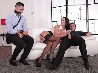 Cougar MILF fucks there one be advantageous to the young men from the office