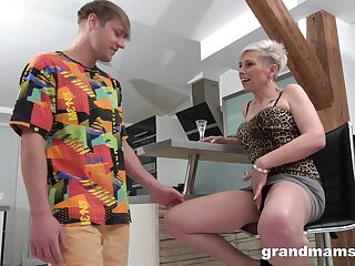 Young relegate gets his kicks with his slutty aging stepmother