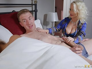 Petite Princess Vigil does the nasty with her hung son-in-law