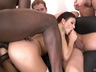 Interracial gangbang puts sexy Billie Star's body to a catch test