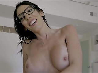 Leader MILF in Glasses hot porn video