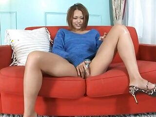 Japanese solo chick Rino Makabe opens her legs to masturbate