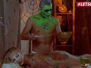 Tattooed Oiled Up Blonde Kayla Green Halloween Oily Hardcore Massage