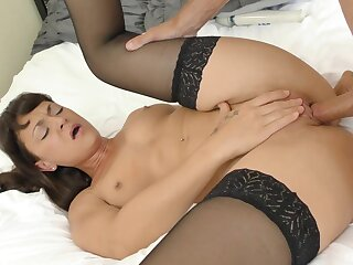 Foxy partition Olivia wilder in stockings gets fucked good on the bed